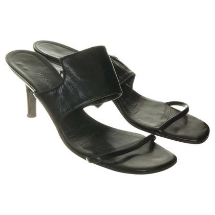 Yves Saint Laurent Sandal in black