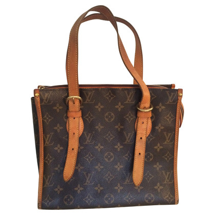 Louis Vuitton Model pop in court in monogram of canvas