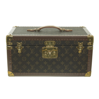 Louis Vuitton Monogram of canvas cosmetic case