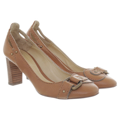 Chloé pumps con fibbia decorativa