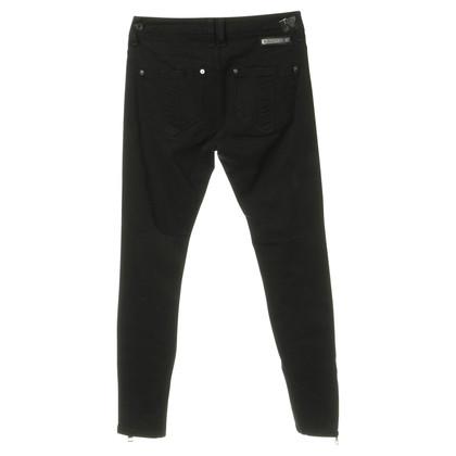 Burberry Skinny-Jeans in Schwarz