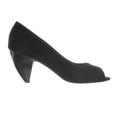 Walter Steiger Peep-toes in black with shaped heels