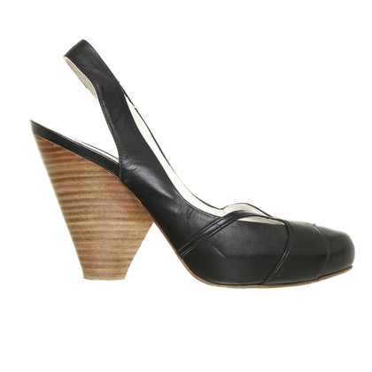 Paco Gil Black Sling pumps