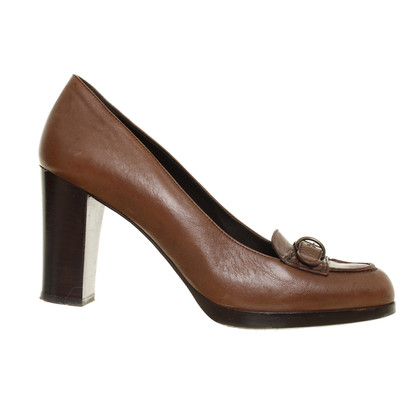 Bally pumps with decorative buckle