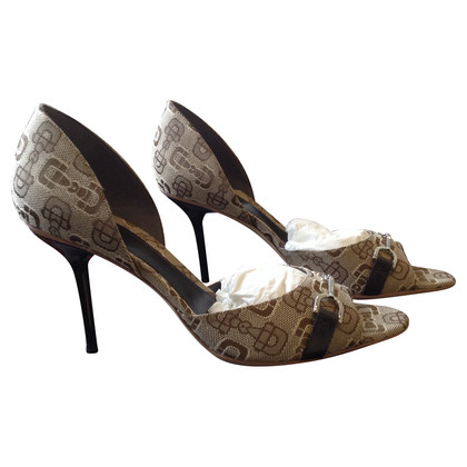 Gucci D'Orsay pumps with logo