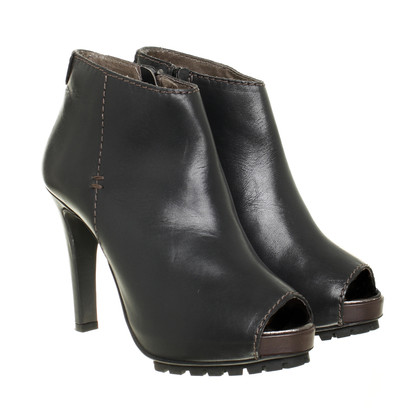 Schumacher Ankle boot with Peeptoedetail