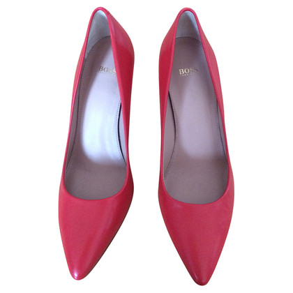 Hugo Boss pumps in het rood