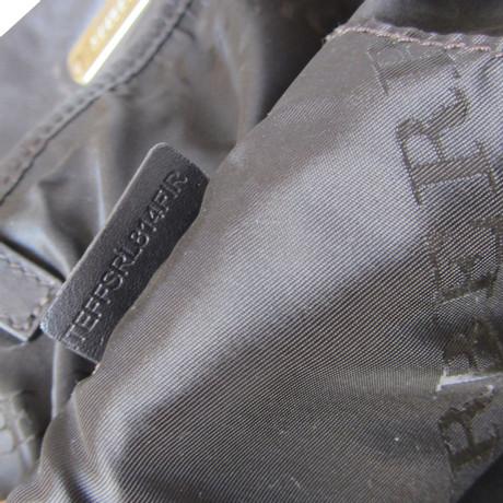 Burberry Prorsum Große Tote aus Leder mit Nieten Braun Freies Verschiffen Austrittsstellen 2018 Günstiger Preis Billig Zu Verkaufen Grau-Outlet-Store Online hnQQi8