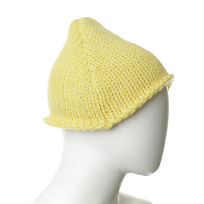 Miu Miu CAP in yellow