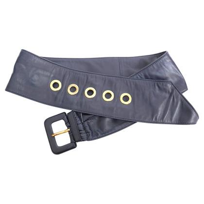Prada Belt in the 1950s look