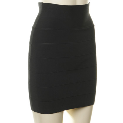 BCBG Max Azria Slim cut skirt