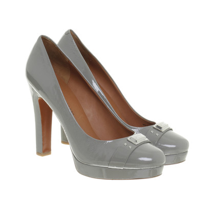 Marc Jacobs Pumps aus Lackleder