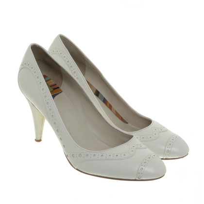 Paul Smith pumps Lyra gaten