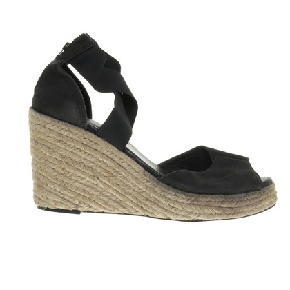 Bruuns Bazaar Wedges with a raffia sole