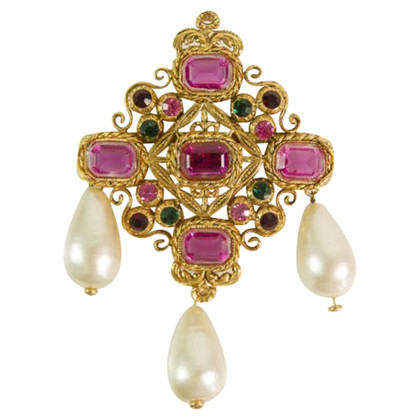 Chanel Brooch with pearls