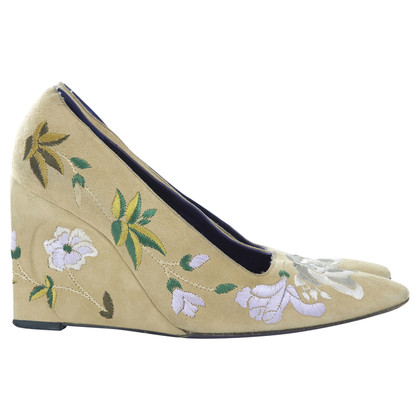 Fendi Embroidered wedges