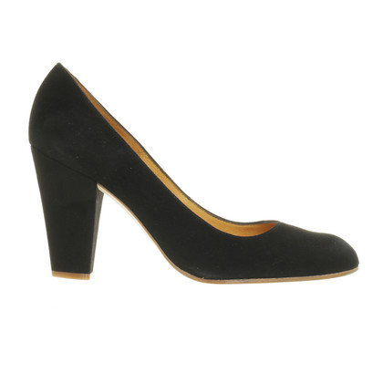 Fred de la Bretoniere Black Suede pumps