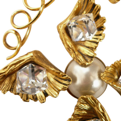 Yves Saint Laurent Brooch with Pearl and rhinestone