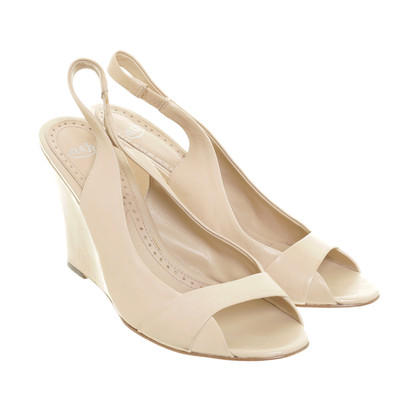 Ash Wedges in nude
