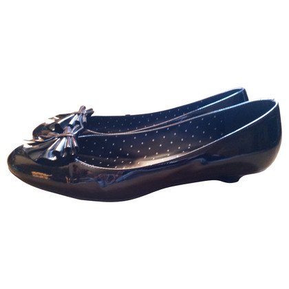 Moschino Cheap and Chic Black patent leather pumps