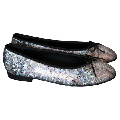 Chanel Flats in Silber