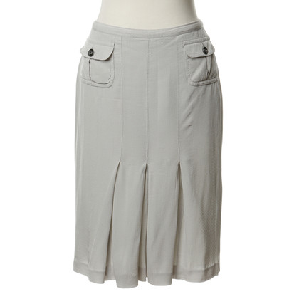 Burberry skirt with wrinkles
