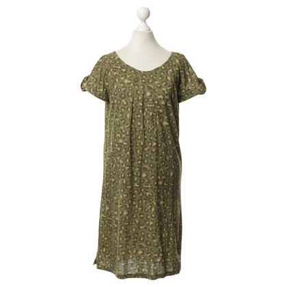 A.P.C. Green cotton dress with a Leo look
