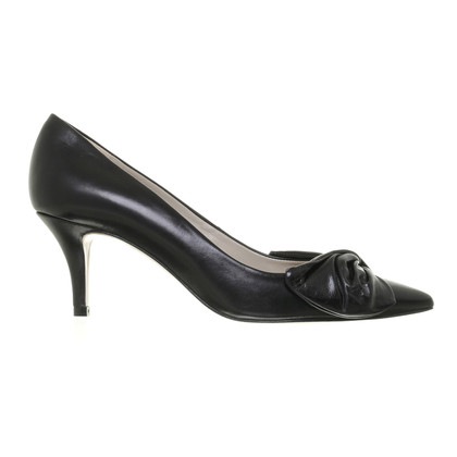 Paule Ka Black Pumps with loop