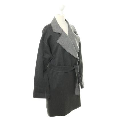 Armani Collezioni Cappotto di lana grigia