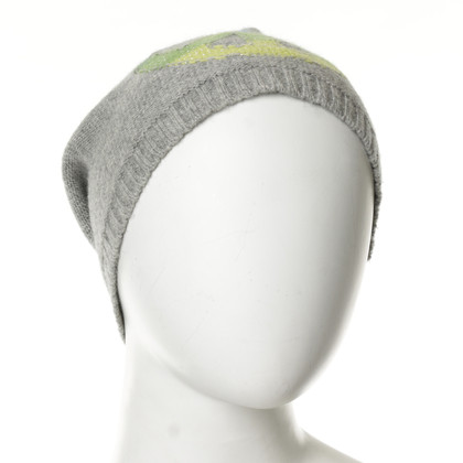 Bloom Gray hat with piece characters