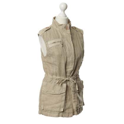 Closed Vest made of linen