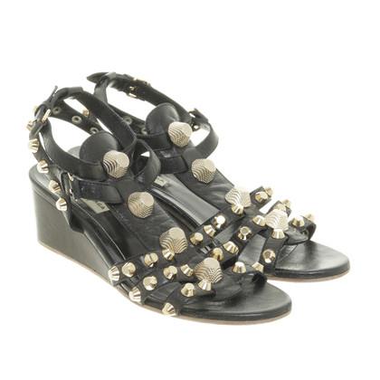 Balenciaga Wedge-Sandalette mit Nietenbesatz