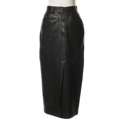 Bogner Leather skirt with decorative stitching