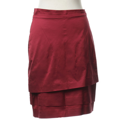 Hugo Boss skirt in level optics