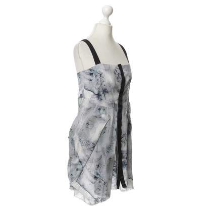 Alexander McQueen Silk dress with pattern
