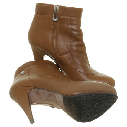 Navyboot Plateau ankle boot in Cognac Brown