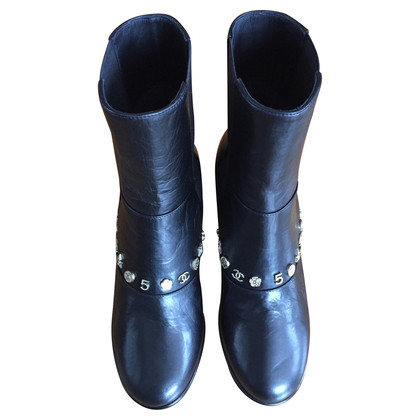 Chanel Stiefel mit Charms