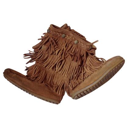 Minnetonka Frill boots