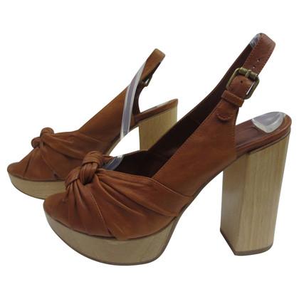 Chloé Gluren teen sandaal met plateau