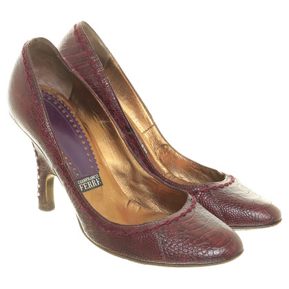 Ferre Pumps in reptile finish