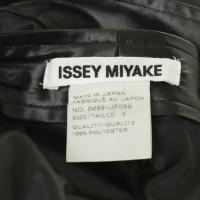 Issey Miyake Hose mit Satin-Glanz