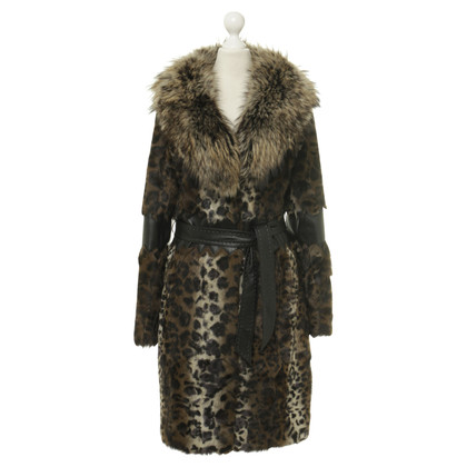 Marc Cain Fur coat in Leopard look