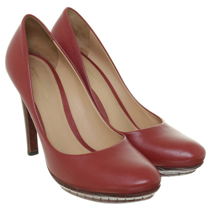 Bottega Veneta Pumps in red