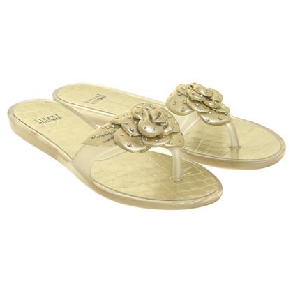 Stuart Weitzman Sandals in gold