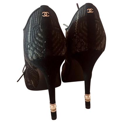 Chanel Stiefeletten mit Spitze