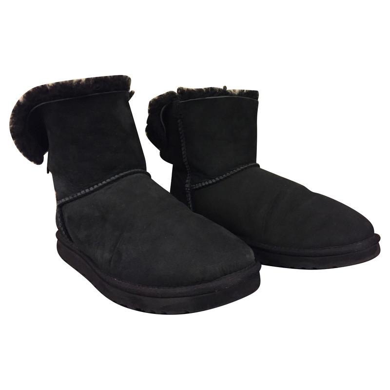 ugg boots mit schleife second hand ugg boots mit. Black Bedroom Furniture Sets. Home Design Ideas