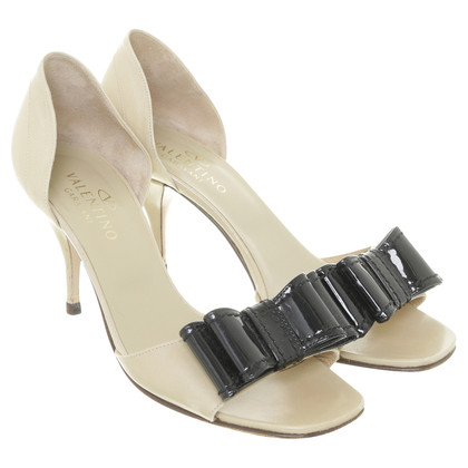 Valentino Pumps with grinding finishing
