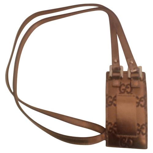 Gucci Porta cellulare - Second hand Gucci Porta cellulare acquista ... 402f4def3d26