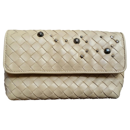 Bottega Veneta clutch con rivetti