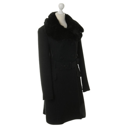 Tara Jarmon Coat in black